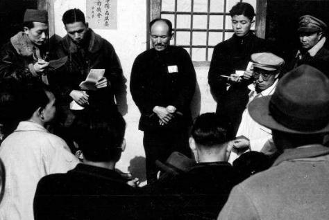 王震上将说了一句狠话,吓得张文伯做了什么?事后却被指责处置不当!