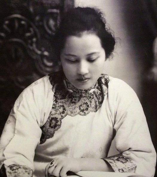 宋氏三姐妹的珍藏照片,个个美貌绝伦