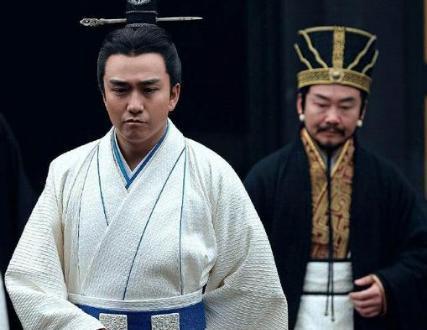 他们两个同样才华横溢的人 为什么曹操只杀杨修呢