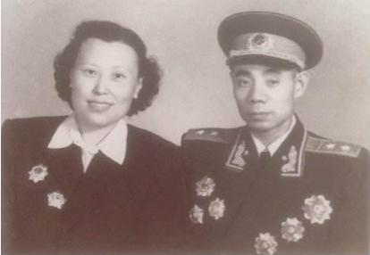 吴信泉的妻子和子女现在在什么地方 他们现在怎么样了