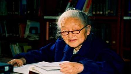 """何泽慧是""""三钱""""之一的钱三强的夫人 同时她也是中国的居里夫人"""