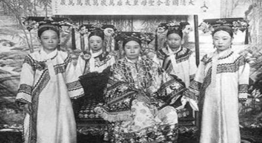 清朝要亡国,统治者赶紧想了一个办法