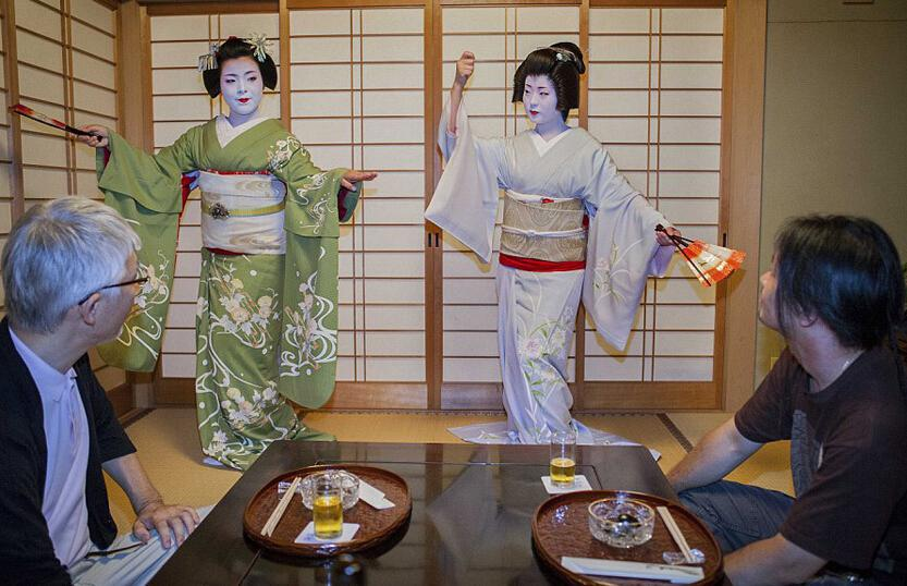 日本艺妓真实生活,卖艺不卖身到底是不是真的呢?
