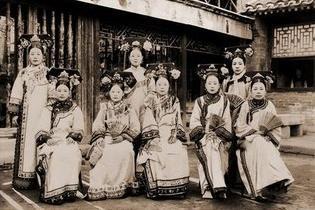 1992年故宫显现宫女灵异事件照片