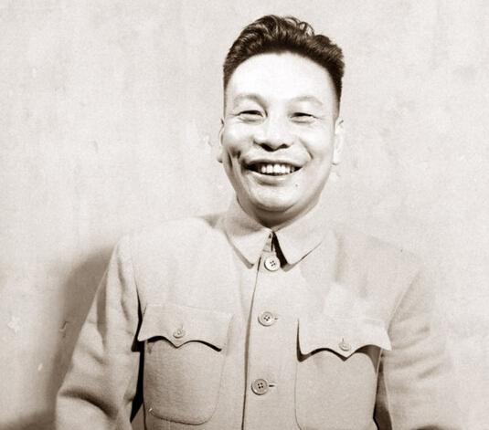 台湾作家白先勇先生评蒋介石:基本上是个爱国者