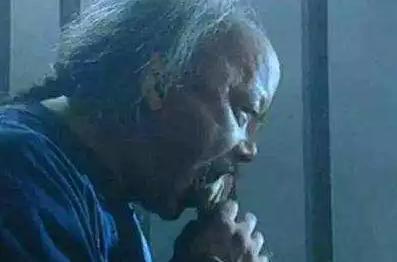 和珅临死前对隔壁囚犯说:你若是不死,出去后帮我办一件事