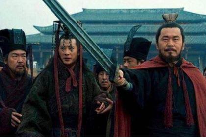 曹仁在三国存在感极低,为什么却深受曹操喜爱?