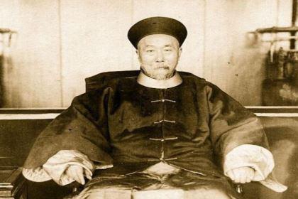 曾国藩与同期名人相比如何?是最笨拙却也是最精明的!