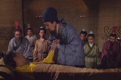 刘备白帝城托孤时期为什么不将兵权交给诸葛亮呢 难道说怕诸葛亮造反吗