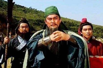 关羽为什么要向投向刘备的马超单挑?原因是什么
