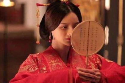 最厉害妃子,为皇帝殉葬时众人眼下逃出,后与守墓人结婚生子!