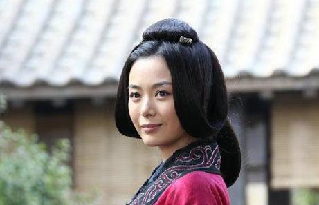 曹操为何会将全部的女儿嫁给汉献帝 此举究竟是为了什么