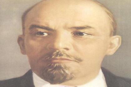 """布尔什维克:俄文""""多数派""""的音译,是列宁创建的俄国无产阶级政党"""