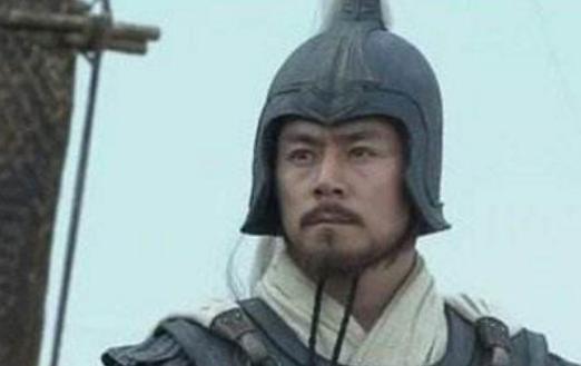 潘璋明明用不了青龙偃月刀为什么还要把它带在身边?