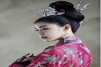 皇帝把贡女立为皇后,此女最后成亡国皇后