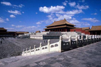 明成祖朱棣选择迁都燕京的目的有哪些 他选择迁都是重大战略失误吗