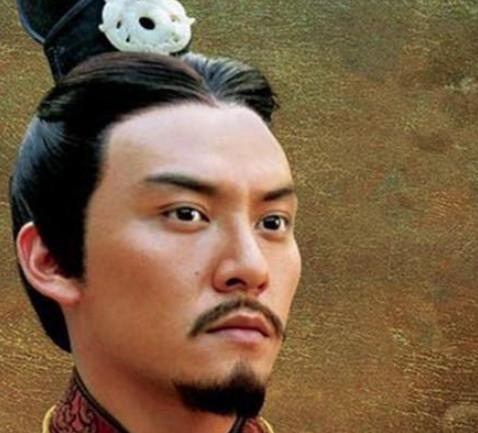 少年孙权初掌江东,曹操突然发难,他是怎么解决的?