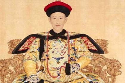 乾隆曾最宠信的两个大臣,如果他在和坤还敢贪污吗?