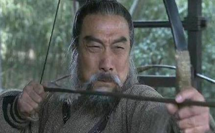 老年的黄忠能和关羽打平手 年轻时期的他能打得过吕布吗