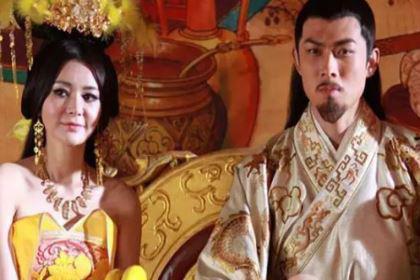历史第一宠贵妃:10岁受宠,15岁生子,皇帝上朝她坐在膝盖上