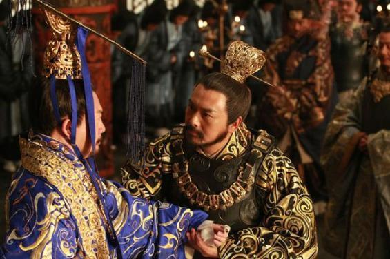 做为皇帝身份低到尘埃里,是什么让他愿意将权力下放臣子?