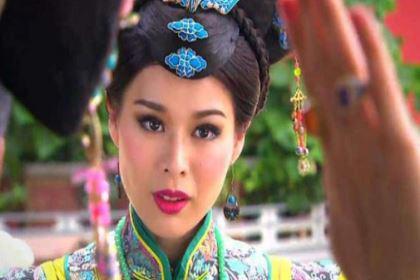 孝穆成皇后没当一天皇后却享受皇后尊荣,死后还给葬三次