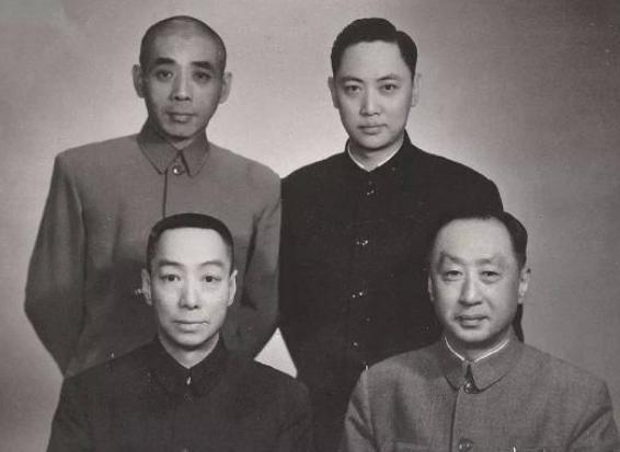 揭秘:中国京剧里的四大须生为什么有七位?