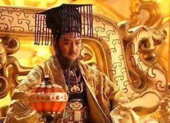 贵妇嫌儿子太丑想丢弃,尼姑阻拦并亲自抚养,婴儿后来成为帝王