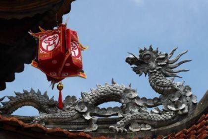 中国古时封建王朝不断更替的原因是什么?