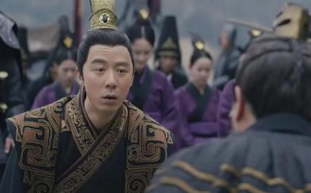 曹操为什么不敢杀汉献帝 而是控制他挟天子令诸侯呢