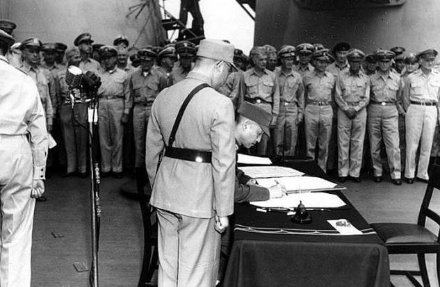 日本投降仪式为什么不是在航母上举行而是在密苏里号上?舰上的31星国旗有什么来历