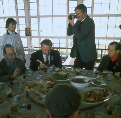 尼克松访华简介 尼克松访华的背景,过程,结果及意义介绍