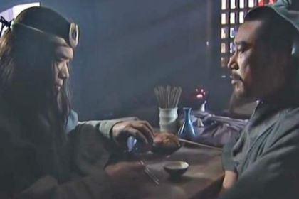 谁是第一个知道宋江想招安的?不是花荣,而是他