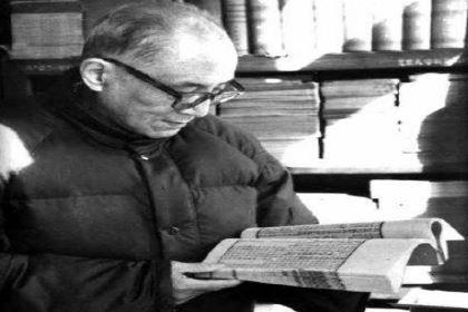 关于朱东润的评价是怎样的?他有着怎样的文学贡献