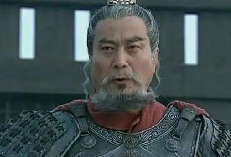 三国正史斩杀敌方大将最多的人是谁?是吕布还是关羽