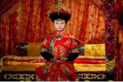 孝定景皇后:长得既不漂亮、还是个驼背,却是清朝做皇后时间最长的