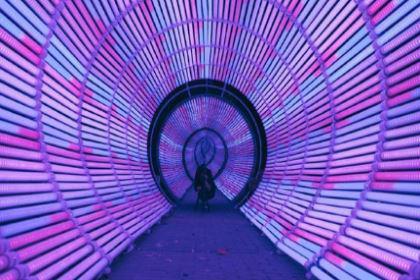 贵州时光隧道之谜 为什么有些人的时候会显示倒退一个小时