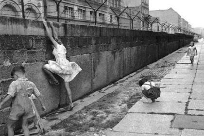 柏林墙修建之后的日子里 东西德国是什么样子的