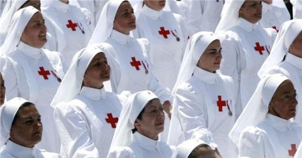 各国女兵方阵谁最美?盘点各国阅兵场上的女兵 中国女兵太美了