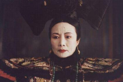 慈禧让溥仪继承皇位时,隆裕为什么急着问他有几个爹?