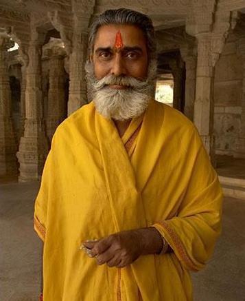 耆那教:印度传统宗教之一,该教徒的信仰是理性高于宗教