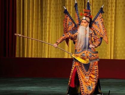 古代戏班既然有五爪龙的戏服 为什么没有被皇帝治罪呢