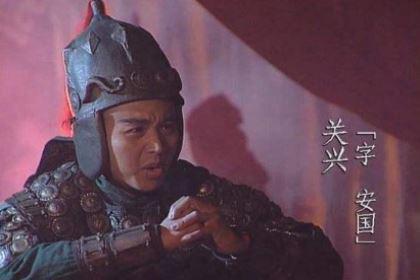 张苞是追杀魏将郭淮和孙礼 不幸落崖重伤而死