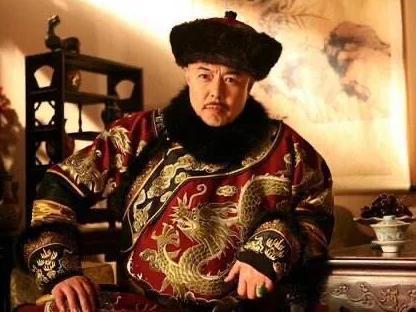 乾隆当满六十年皇帝就退位了 她的太上皇生活是什么样的