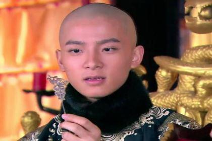 康熙非嫡非长,最后是怎么成为皇帝的?