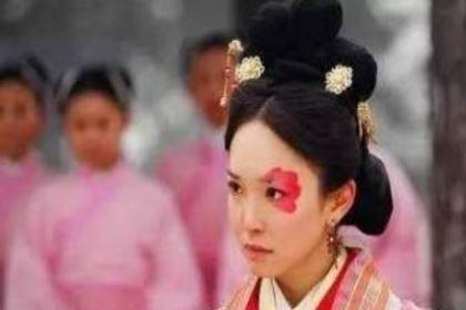 她因为代替年幼的妹妹出嫁 却改变了中国三百年的历史