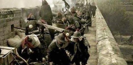 """""""靖难之役""""是因什么而起?朱棣登基之后怎么对待这些兄弟的?"""