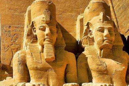 古埃及法老的雕像为什么会跟国人如此之像的 两者间有什么联系吗
