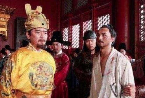 大臣衣服破了也不换,刘伯温却说此人是祸患