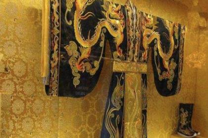 古代皇帝龙袍禁止用水清洗,那夏天怎么办呢?